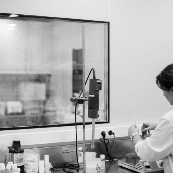 191003-laboratorios-rofersam-1-bn2C465828-F557-667A-A1C1-61F1659CD25C.jpg